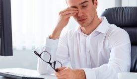 Molte ore davanti al pc: alcuni rimedi per curare gli occhi stanchi