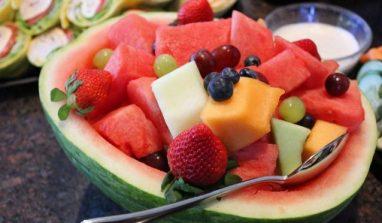 Alimentazione anti-afa: alcuni consigli per combattere il caldo a tavola