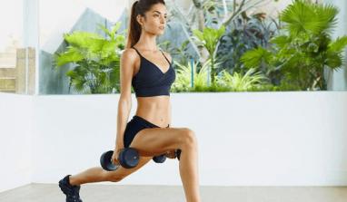 Fitness, i migliori esercizi da poter fare a casa per tonificare gambe e glutei