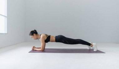 I migliori esercizi di fitness da poter fare in casa senza attrezzi
